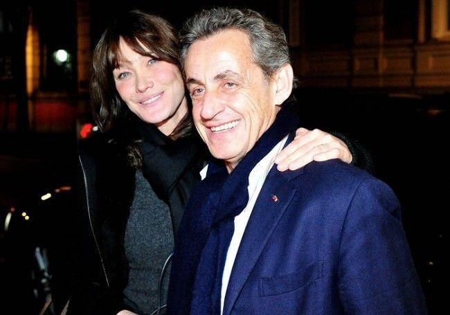 Nicolas Sarkozy Et Carla Bruni Sarkozy Photo C Europa Press Cordon Sipa Nicolas Sarkozy Sarkozy Vacances En Famille
