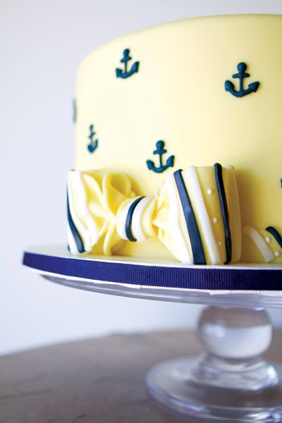 This is a cake by The Pastry Studio in FL.  What great nautical details....would have made the perfect Groom's cake way back when since I had the full-blown Naval Academy wedding!
