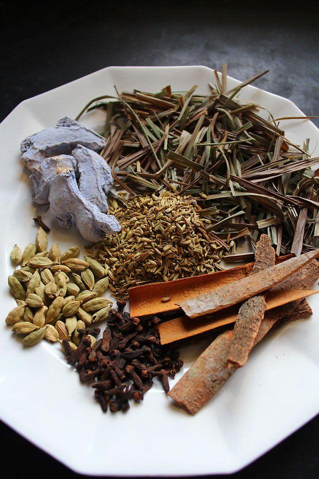 masala tea powder - indian chai spice blend mix