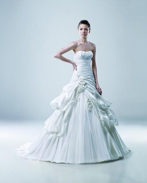 Igen Szalon Modeca wedding dress - Mathilda #igenszalon #Modeca #weddingdress #bridalgown #eskuvoiruha #menyasszonyiruha #eskuvo #menyasszony #Budapest