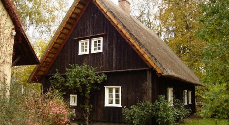 Das Spreewaldhaus Lübbenau This traditional-style holiday home and 2 apartments offer free Wi-Fi in the pretty village of Lehde, in the Spreewald Nature Reserve. They stand beside a river in a 3,000 m² garden.