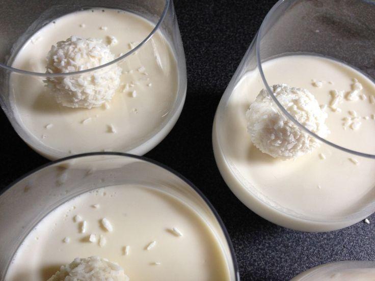 pannacotta noix de coco avec du lait de coco, recettes de pannacotta