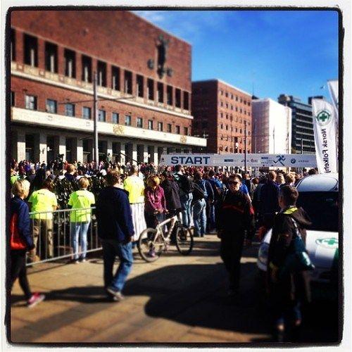 Marathon start in front of Oslo's city hall