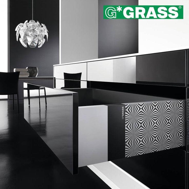 Haluatko keittiön, jollaista kenelläkään muulla ei ole? Vionaro iD on ratkaisu juuri sinulle. Viimeistele keittiösi yksilöllinen ja omaperäinen ilme yhdistelemällä erilaisia Vionaro–laatikon sivuun kiinnitettäviä laserkuvioituja paloja. #vionaro #grass #koti #toimisto #säilytys #sisustus #arkkitehti #sisustussuunnittelu #interior #interiordesign #helakeskus #tukkumyynti #yritysmyynti