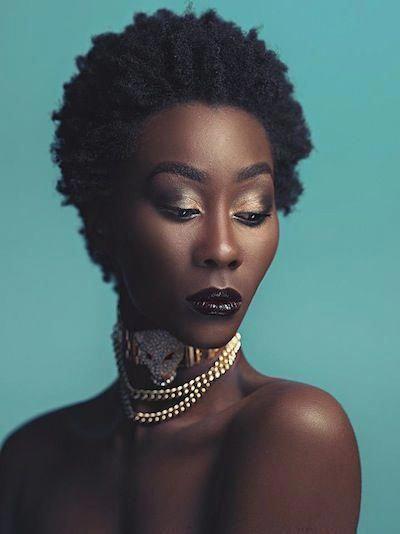 Femmes noires apprennent les courbes #BlackwomenCurves – Femmes noires …   – Cheveux Crépus