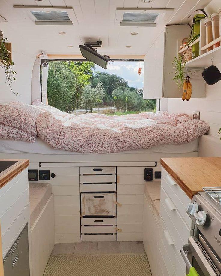 Home sweet home ♡ . . . . . #vanlife #tinyliving #vanlifemovement #vanconversi…