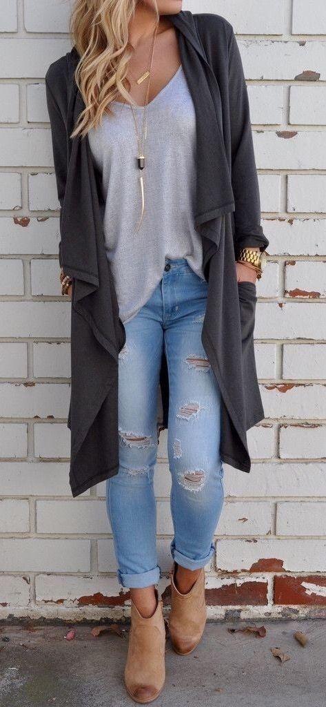 Lange graue Weste + graues T-Shirt + Destroy = stylische Jeans (für eine junge …  – frauen mode