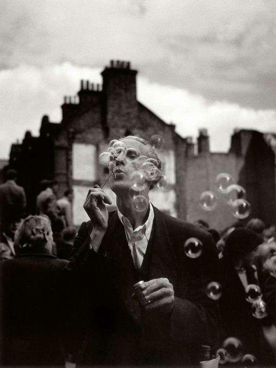 "Izis Bidermanas - Man blowing bubbles, Whitechapel @ Tate Britain ""Another London"" exhibition"