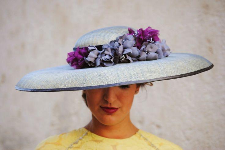 Sombrero de #HaneHats http://www.fashion-south.com/2014/10/la-ultima-boda.html #weddingguest #fashionsouth #fernandoclaro