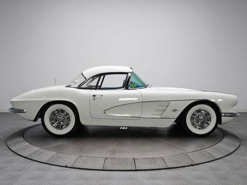 Chevrolet Corvette - 1961 ✏✏✏✏✏✏✏✏✏✏✏✏✏✏✏✏ AUTRES VEHICULES - OTHER VEHICLES ☞ https://fr.pinterest.com/barbierjeanf/pin-index-voitures-v%C3%A9hicules/ ══════════════════════ BIJOUX ☞ https://www.facebook.com/media/set/?set=a.1351591571533839&type=1&l=bb0129771f ✏✏✏✏✏✏✏✏✏✏✏✏✏✏✏✏
