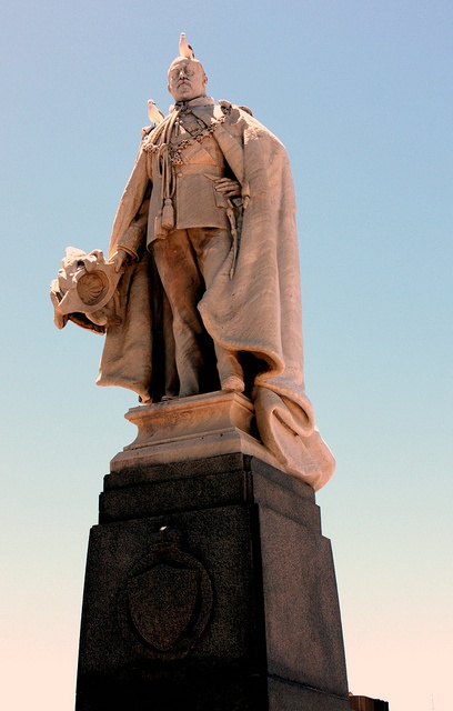 Statue of King Edward VII, Cape Town, South Africa by Kleinz1, via Flickr