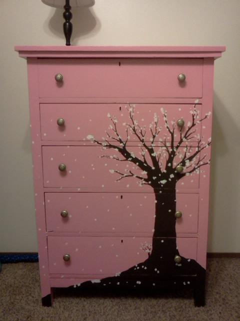 I Re Painted My Daughter S Dresser No Stencils Or Anything But Free Hand Painting