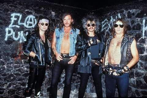 Phil Campbell/Lemmy Kilmister/Phil Taylor/Wurzel. MOTORHEAD