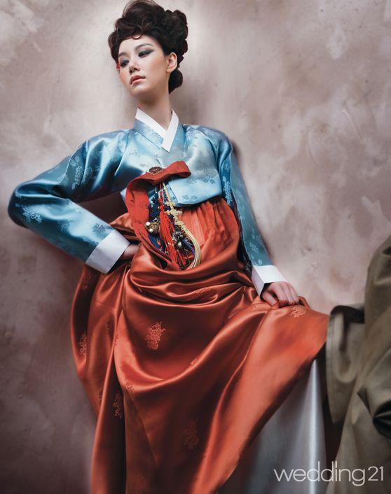 [한복화보] 한영미 한복, 고운 선과 색감이 꿈결 같이 아름답다 < 웨딩뉴스 < 웨딩검색 웨프