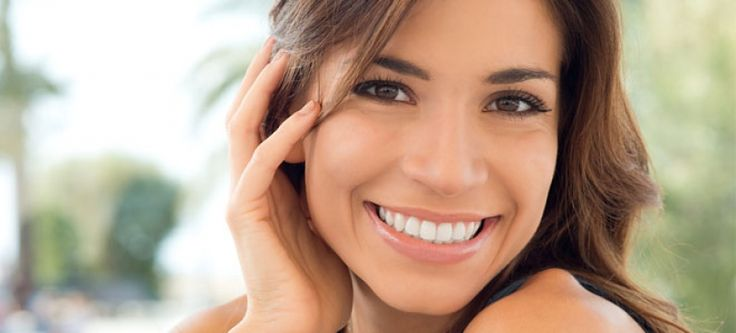 Τι καλύτερο από ένα λαμπερό χαμόγελο; Εφαρμόστε μερικές απλές συμβουλές και χαμογελάστε ελεύθερα! http://www.i-cure.gr/Article/192/