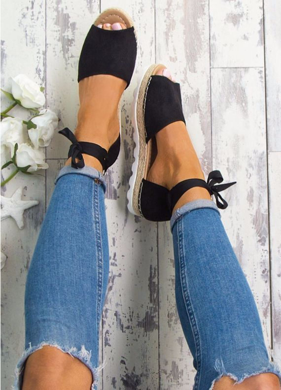 Londons Calling Espadrilles in Black (Very cute. You'd need a 5; but, they're out of stock!