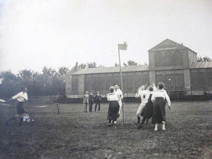 1919 Friso 3 tegen onbekende tegenstander op de voormalige ijsbaan.