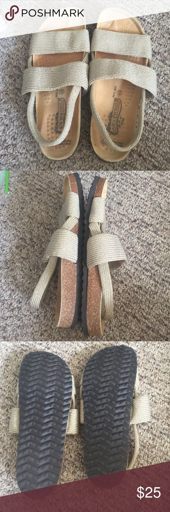 arcopedico knit Mint condition. Birkenstock like shoes. Very well made extremely comfortable. Euro size 40 arcopedico Shoes