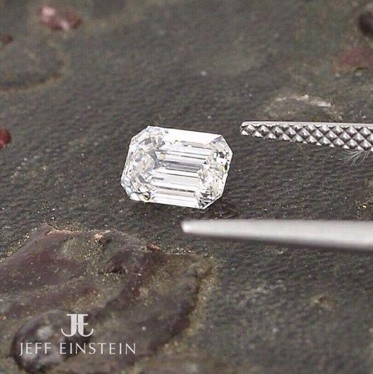 A magnificent emerald cut diamond ready to be set into a beautiful new piece of jewellery! . . #jeffeinsteinjewellery #doublebay #sydney #emeraldcut #diamond #sparkle #engagement #engaged #engagementring #diamondring #weddinginspiration #weddingideas #jewelry #jewellery