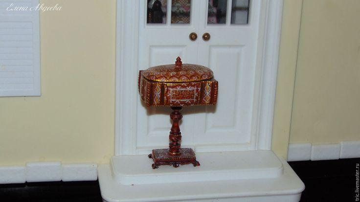 Купить швейный столик 1:12 - коллекционная миниатюра, кукольная миниатюра, миниатюра 1 12