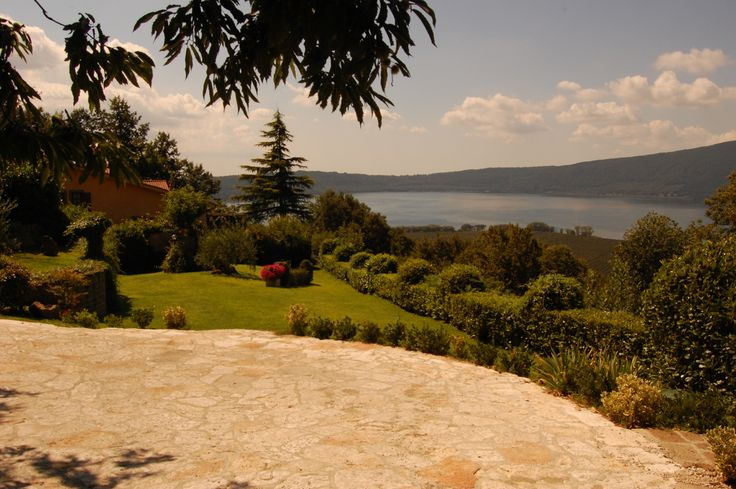 The views and the cicadas at Villa La Paiola , upon Lake Vico