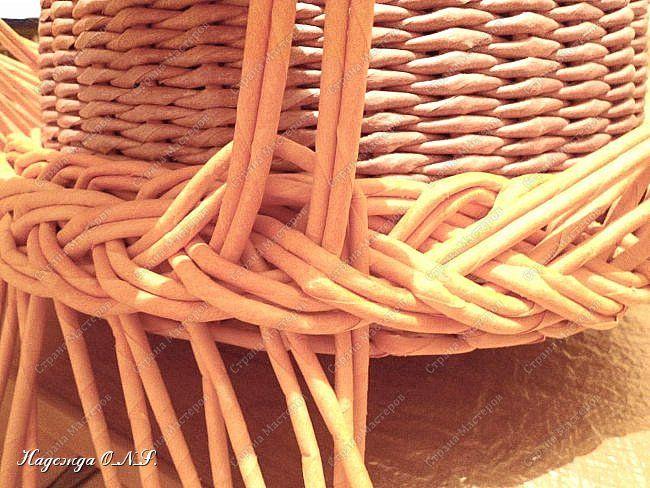 Неоднократно меня спрашивали, как я плету подносы... Выпал случай сфотографировать процесс...  фото 17