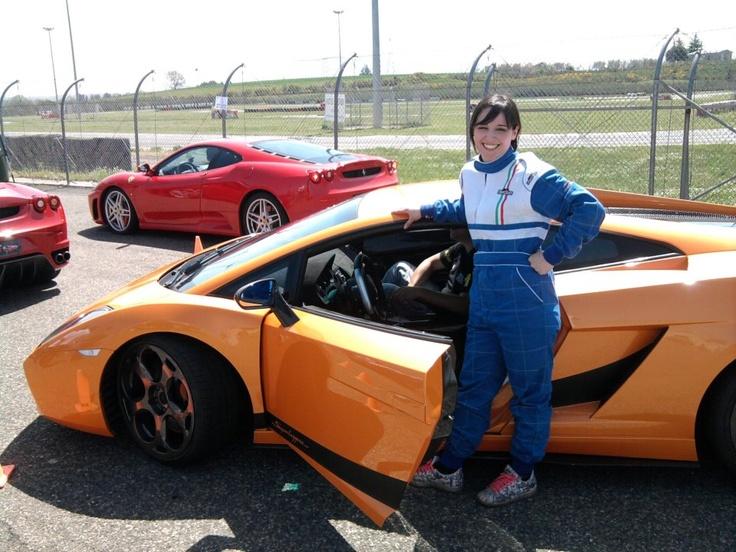 Giri di pista alla guida di una Lamborghini sul circuito di Vallelunga con il cofanetto Smartbox Adrenalina