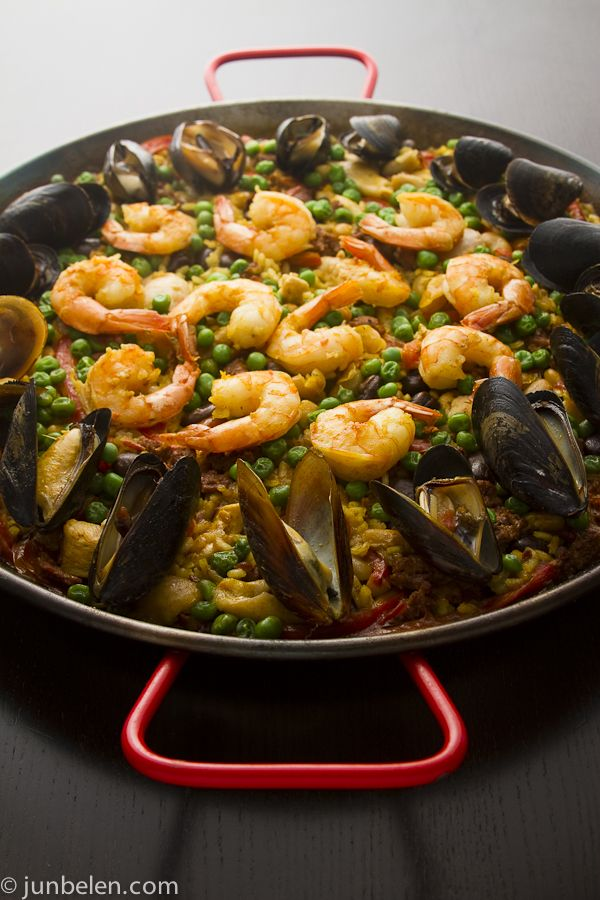 Seafood Paella Recipe-this is one of Brian's favorites I will have to try to make it at home.