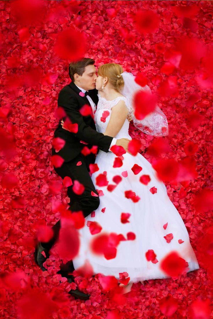 Fotografia ślubna w najbardziej romantycznym wydaniu :) więcej na www.tomaszsuszczynski.pl www.soft-light.pl