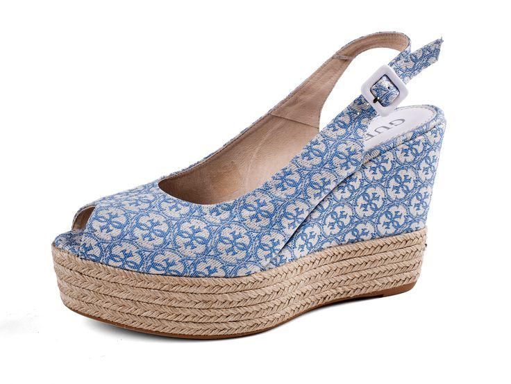 Guess - dámské boty na klínu