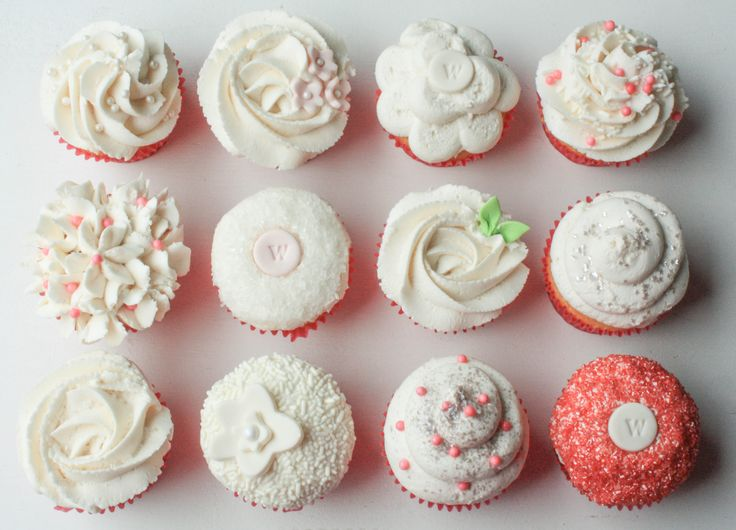 Learn how to frost wedding cupcakes that are simple and elegant with these helpful tips.
