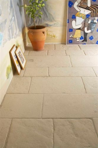Carrelage de sol en pierre naturelle mat aspect for Carrelage mural pierre naturelle