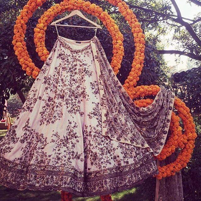 WEBSTA @ asthanarangofficial - #asthanarang#asthanarangofficial#asthanarangbride#love#bridalcollection#comingsoon#cantwait @morviimages