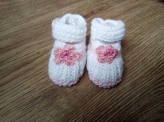 dc33c72c8ba45 Chaussons bébé en laine 0 3 mois - Babies ballerines à fleurs bébé fille  naissance - chaussures souples bébé