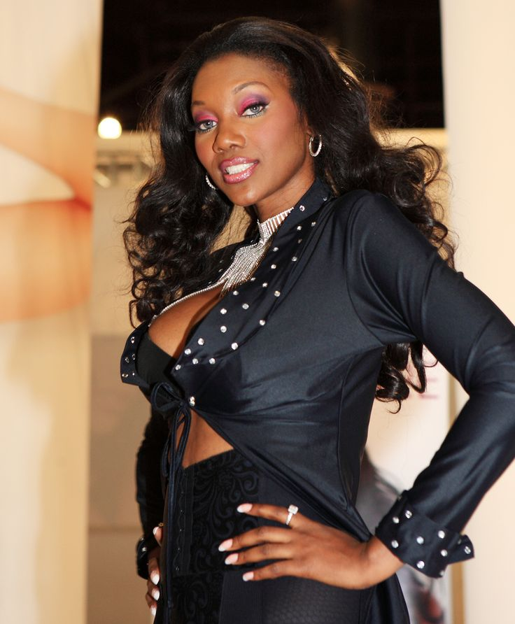 11 best images about nyomi banxxx on pinterest we news for Naomi jansen