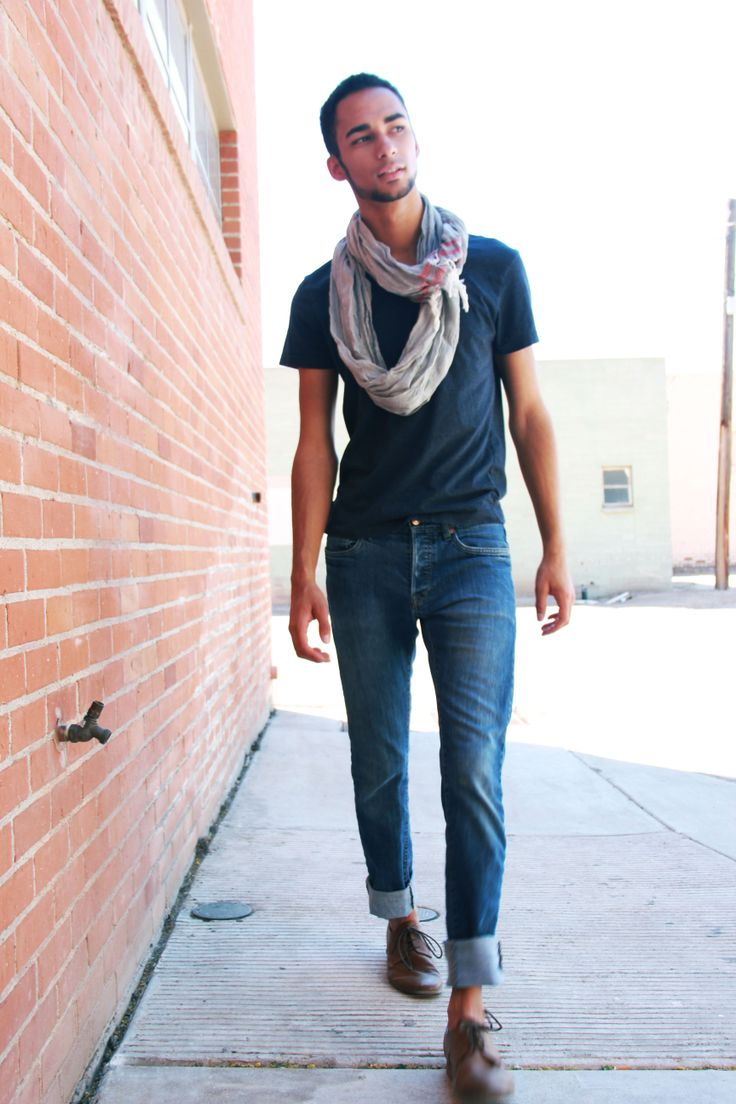Simple Blue H Amp M V Neck Cuffed Blue Jeans And A Grey