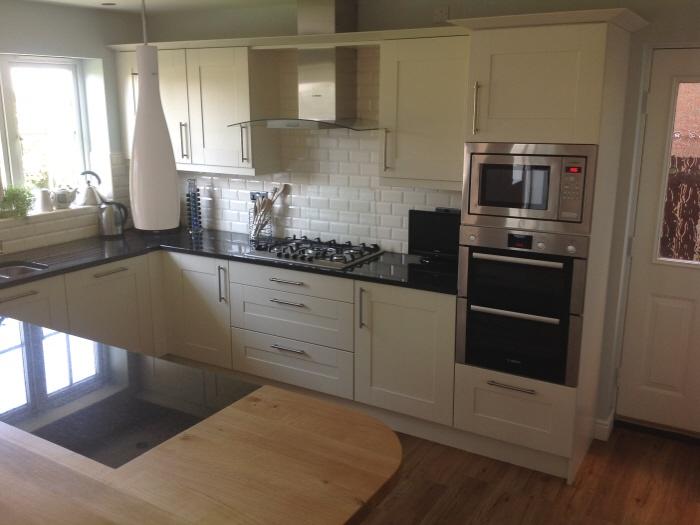 Broadoak Albaster kitchen units