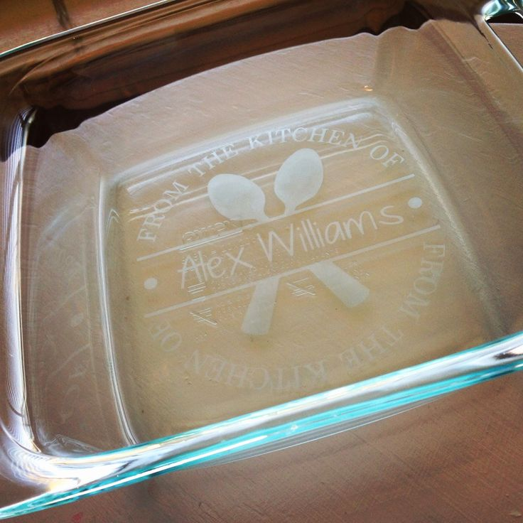 Etched casserole pan tutorial using the Silhouette Cameo.