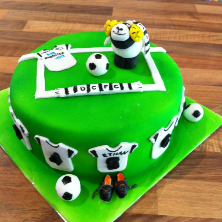 Football Cake ~ Derby County ~ Rammie