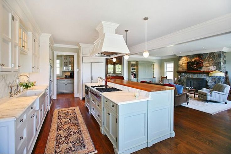 Kitchen family room combo from small kitchen and living for Kitchen family room combo floor plans