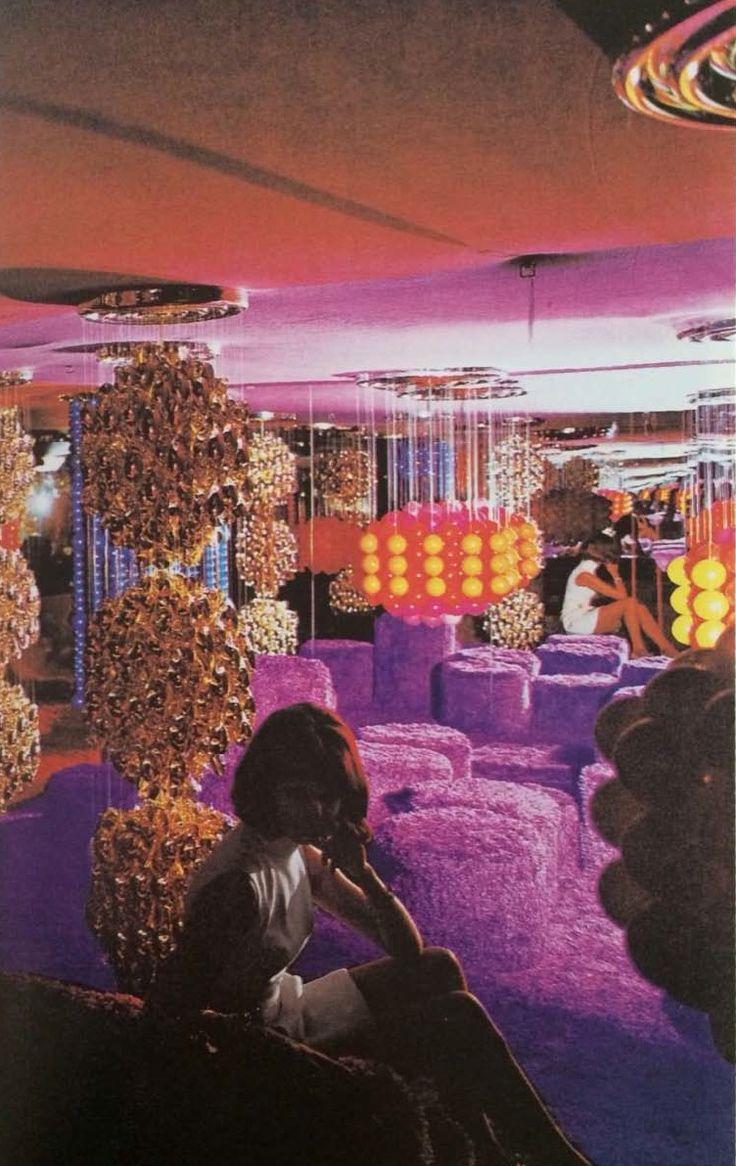 Verner panton interior design - Wavycrybaby Domus 1970 1974 Visiona 2 Installation Designed By Verner Panton