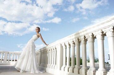 Anche il matrimonio ha le sue regole e, se si vuol essere tradizionali, bisogna seguire alla lettera consigli e suggerimenti >> http://www.semplicementefavolosa.it/organizzazione-matrimonio-wedding-planner-location-foto-video-fiori-allestimento-catering-torta-nuziale/il-galateo-della-sposa/   #galateo #matrimonio #bonton