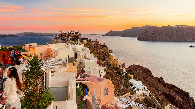Oia's #sunset from the castle! #Santorini #Greece Photo credits: Kevin Tynan Bowe