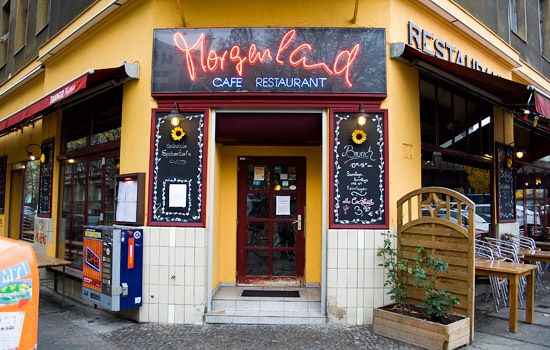 Café Morgenland is a pleasant little cafe helping warm the heart of Kreuzberg with good vibes, good coffee and yummy Turkish and Middle Eastern inspired food