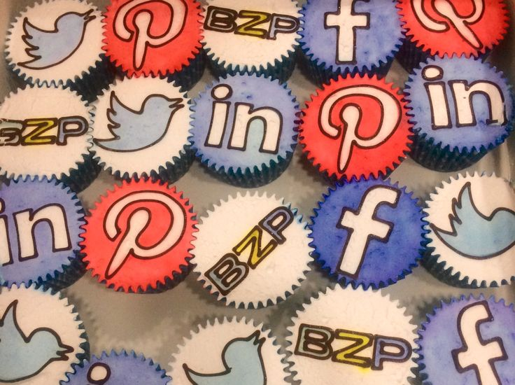 Social media cupcakes by BZP