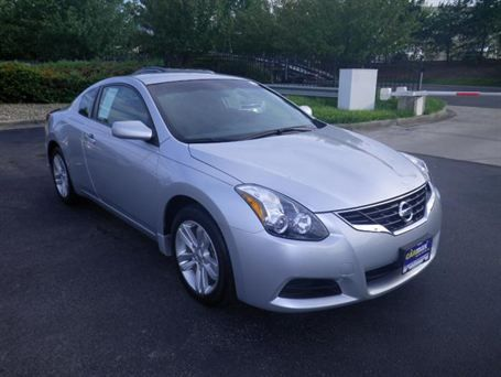 so pretty in silver too 2010 nissan altima s in. Black Bedroom Furniture Sets. Home Design Ideas
