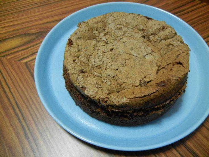 Lavkarbo sjokoladekake med kun 4 ingredienser – uten mel og sukker