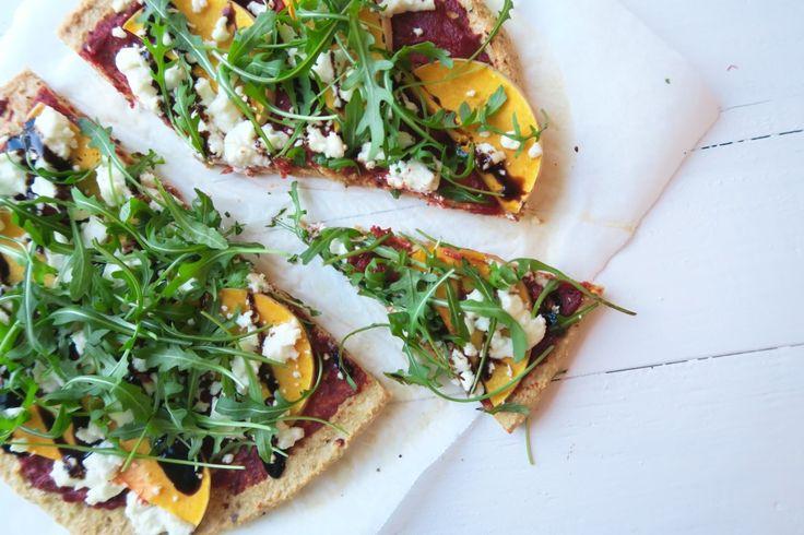 Geitenkaas pizza met pompoen en balsamico