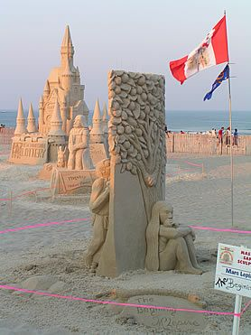 Best SAND ART Images On Pinterest Sand Art Sculptures And - This towering sand sculpture just broke the world record for the tallest ever sandcastle