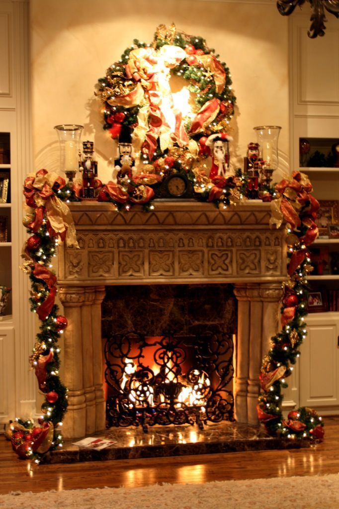 579 best Christmas Fireplaces\/Mantles images on Pinterest - christmas fireplace decor
